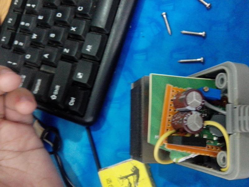 采用硅桥+3R33标准降压电路