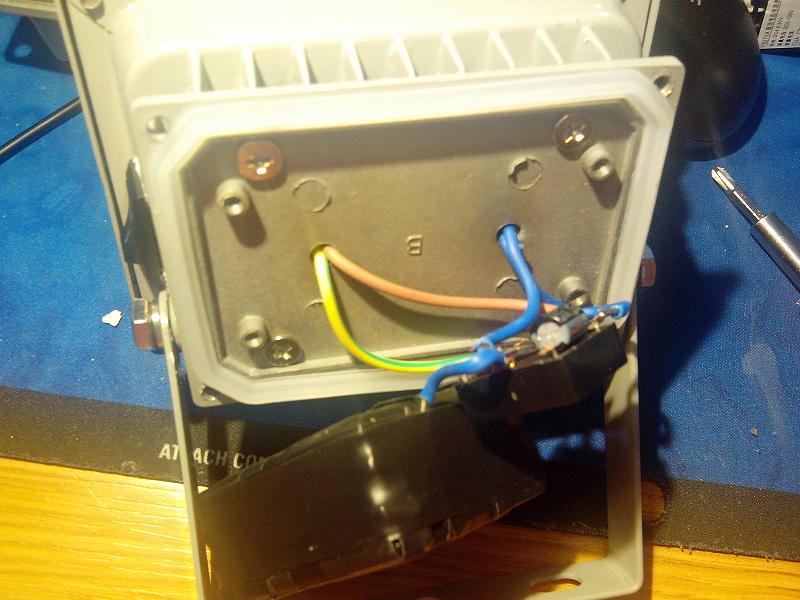 电池盒3R33搭棚的升压电路